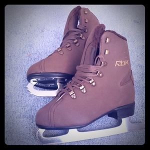 Women's ice skates